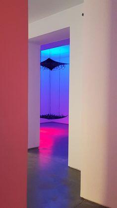 """""""Echo"""", Daniel Canogar en #MaxEstrella #Madrid #Exposición #Arte #Art #ContemporaryArt #ArteContemporáneo #Arterecord 2017 https://twitter.com/arterecord"""