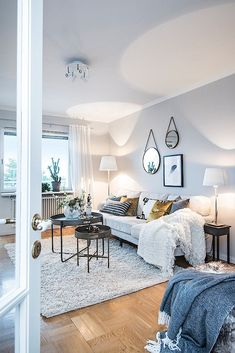 Nordic sweetness in a two-room apartment (PLANETE DECO a homes world) - Decoration For Home Rugs In Living Room, Living Room Decor, Living Spaces, Small Living, Home And Living, Boho Deco, Residential Interior Design, Interiores Design, Apartment Living