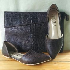 Pull Up Leather with Crocco Emboss ~ Shoes And Bags