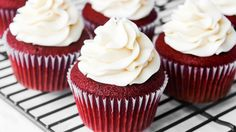 These irresistible Red Velvet Cupcakes will be a hit at any celebration! Moist and fluffy, with amazing cream cheese frosting! Red Cupcakes, Moist Cupcakes, Elegant Cupcakes, Cupcakes With Cream Cheese Frosting, Red Velvet Cupcakes, Yummy Cupcakes, Velvet Cake, Cupcake Cakes, Fluffy Cupcakes