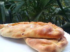 Καλτσόνε - Elpidas Little Corner Hot Dog Buns, Hot Dogs, Calzone, Corner, Bread, Food, Brot, Essen, Baking