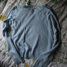 Soft sweater Super soft only worn once Forever 21 Sweaters Crew & Scoop Necks