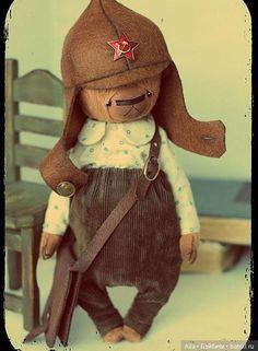 Буденовка - выкройка шапки для авторской игрушки / Одежда для авторских игрушек / Бэйбики. Куклы фото. Одежда для кукол