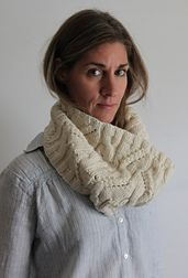 Ravelry: Snowy River Cowl pattern by Laura Reinbach free pattern