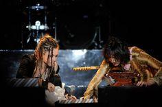 ナタリー - L'Arc-en-Ciel、初ジャカルタ公演を1万7000人が歓迎