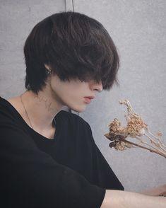 Korean Male Hairstyle Short, Japanese Hairstyle, Boy Photography Poses, Dark Photography, Boys Long Hairstyles, Pretty Hairstyles, Shot Hair Styles, Long Hair Styles, Cut My Hair