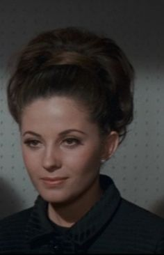 Barbara Parkins in Valley of the Dolls - 1967 - the hair styles in this movie are so chic