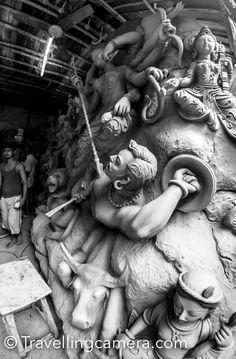 Durga Idol making in Kumartuli, Kolkata, West Bengal Maa Durga Photo, Durga Maa, Durga Puja Kolkata, Saraswati Goddess, Durga Images, Mother Goddess, Stylish Girl Pic, West Bengal, Nature Tree
