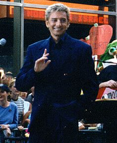 Barry Manilow - The BarryNet - The Shows - Manilow Today Frame 5