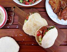 KUŘECÍ SHAWARMA v pitě: příprava na stolním grilu - Ochutnejte svět Tacos, Mexican, Ethnic Recipes, Food, Fine Dining, Meals, Yemek, Eten