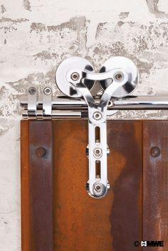 What a contrast! Rusty DUPLEX sliding door?   Find it out on MWE.de