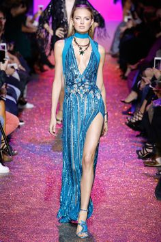http://www.vogue.com/fashion-shows/spring-2017-ready-to-wear/elie-saab/slideshow/collection