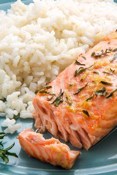 Flavorful lemon, garlic, and thyme baked salmon ready in just 20 minutes! Fish Dishes, Seafood Dishes, Seafood Recipes, Dinner Recipes, Main Dishes, Dog Recipes, Cooking Recipes, Healthy Recipes, Simple Baked Salmon