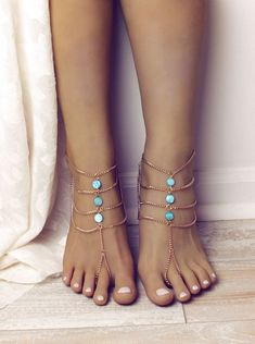 Turquoise Barefoot Sandals Gold Barefoot Sandals by BareSandals - The latest in Bohemian Fashion! These literally go viral! Anklet Bracelet, Anklets, Bracelets, Ankle Jewelry, Body Jewelry, Girls Jewelry, Cute Jewelry, Jewelry Gifts, Beach Feet