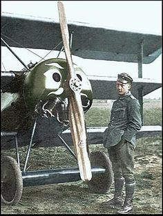 Leutnant Werner Voss, Staffelfuehrer of Jasta with Fokker Dr. Wilhelm Ii, Kaiser Wilhelm, World War One, First World, Military Aircraft, Military Jets, Fokker Dr1, Ww1 Photos, Photographs