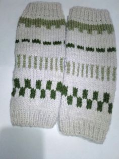 Knitted Hats, Gloves, Knitting, Winter, Fashion, Tejidos, Winter Time, Moda, Tricot