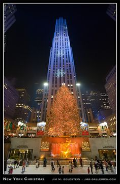 New York at Christmas. The one place I HAVE to see at Christmas time.