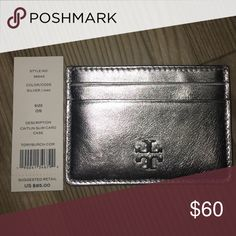 Tory burch Caitlin slim card case silver nwt Tory burch silver Caitlin slim card case nwt Tory Burch Accessories Key & Card Holders