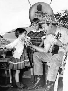 Roy Rogers with his daughters Cheryl and Linda Lou Roy