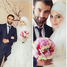 Hijabi Bride Romantic Couples, Wedding Couples, Wedding Bride, Wedding Day, Muslim Brides, Muslim Couples, Hijabi Wedding, Wedding Dresses, Arab Couple