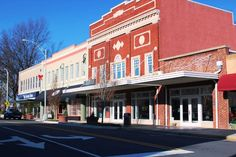 Burlington, NC - 2016 Best Guide. Stay. Eat. Things to Do...