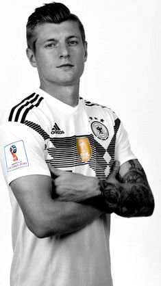 Toni Kroos First Football, Football Love, Football Players, Toni Kroos, Real Madrid, Germany National Football Team, Thomas Muller, Dfb Team, World Cup Russia 2018