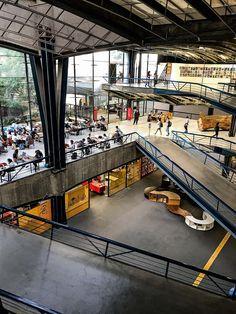 Centro Cultural São Paulo Arch Architecture, Industrial Architecture, Chinese Architecture, Modern Architecture House, Futuristic Architecture, Modern Houses, Zaha Hadid Architects, Atrium Design, Concept Architecture