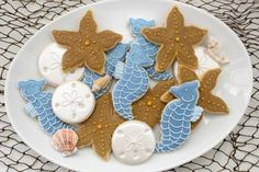 Totally thought of Amy ---  BEAUTIFUL SEA THEMED COOKIES!