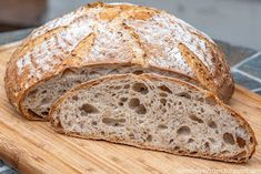 A Messy Kitchen: Golden Flax and Spelt Sourdough Loaf Spelt Sourdough Bread, Oatmeal Bread, Messy Kitchen, Baking Stone, Spelt Flour, Meals For One, Bread Recipes, Low Carb, Food