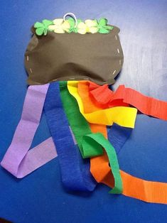 Paper Pot o' Gold with Rainbow Streamers - Craft Fiesta March Crafts, St Patrick's Day Crafts, Spring Crafts, Holiday Crafts, Holiday Fun, Crafts For Kids, Holiday Ideas, Family Crafts, Toddler Crafts