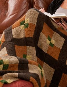 Afghan with mitered squares, free knitting pattern.