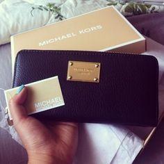 Michael Kors Wallet http://www.pinterest.com/pin/338614465705127246/