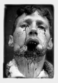 Section Creepy Old Photos Conspiracy Theories & The Paranormal Creepy Old Photos, A Level Photography, Portrait Photography, Arte Obscura, Macabre Art, Portraits, Art Graphique, Dark Art, Collage Art