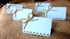 Hochzeit Tischkarten (Satz von 50) - Escort Karten - Name Tags - Landhaus Shabby Chic - Herzen - Liebe - Bögen - himmelblau von Loverlees auf Etsy https://www.etsy.com/de/listing/179665622/hochzeit-tischkarten-satz-von-50-escort