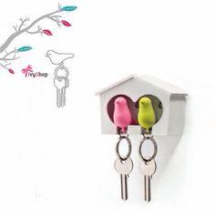 Precisando de um porta chaves? Nós temos o mais fofo de todos os tempos!  Garanta o seu em: www.ivyshop.com.br   #portachave #portachaves #chaveiro #casa #passarinho #casinha #criativos #decoracao #decoracao criativa #fofurice #design #presentes #divertido #fundesign #fofurinha #chave #decoração