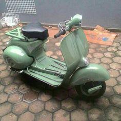Green Vespa