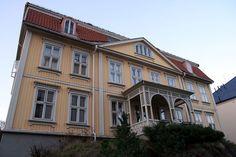 Schafteløkken - Schafteløkken Maine, Mansions, House Styles, Home Decor, Decoration Home, Manor Houses, Room Decor, Villas, Mansion