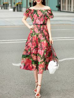 To find out about the Boat Neck Flounce Floral Dress at SHEIN, part of our latest Day Dresses ready to shop online today! Red Ruffle Dress, Red Floral Dress, Dress Red, Floral Dresses, Frock For Women, Casual Dresses For Women, Cute Dresses, Elegant Summer Outfits, Summer Dresses