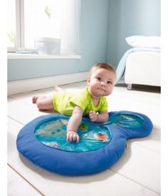 Haba vand aktivitetstæppe, Little Divers Baby's First Christmas Gifts, Babies First Christmas, Water Play Mat, Baby Wish List, Slide Images, Vand, Sensory Toys, Baby Needs, Textiles