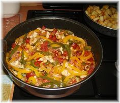 Picata Romana Chili, Soup, Chicken, Diners, Chorizo, Romans, Cooking Recipes, Poultry, Meal