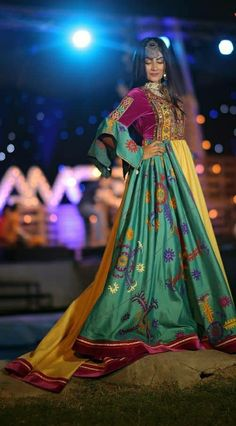 Afghani Clothes, Afghan Girl, Afghan Dresses, Afghanistan, Frocks, Long Frock, Sari, Bohemian, Celebrities