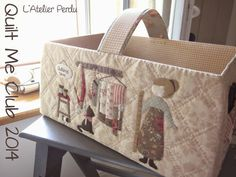 quilt me club 2014 - part 2 Patchwork Bags, Quilted Bag, Quilt Stitching, Applique Quilts, Quilting Projects, Sewing Projects, Diy Handbag, Handmade Handbags, Purse Organization