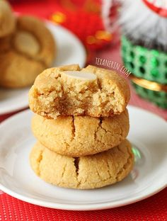 Grain-free Chinese Almond Cookies - Gluten-free, Paleo and Vegan - Tasty Yummies Paleo Dessert, Low Carb Desserts, Healthy Sweets, Gluten Free Desserts, Vegan Desserts, Gluten Free Recipes, Dessert Recipes, Cookie Recipes, Celiac Recipes