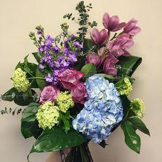 cool vancouver florist UWAAAAH ^ↀᴥↀ^ #flowerstagram #floral #floraldesign #florist #bouquet by @felinesandfloristry  #vancouverflorist #vancouverflorist #vancouverwedding #vancouverweddingdosanddonts