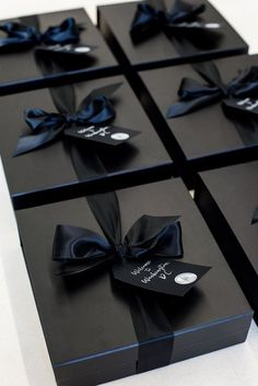 TOP CORPORATE GIFT DESIGN// Welcome to Washington DC corporate event gift boxes in black designed for business professionals and curated by Marigold & Grey. Image: Lissa Ryan design Top Corporate Event Gift Box Designs of 2018 Creative Gift Wrapping, Creative Gifts, Wrapping Ideas, Corporate Gifts, Corporate Events, Corporate Gift Baskets, Corporate Design, Diy Gifts, Best Gifts