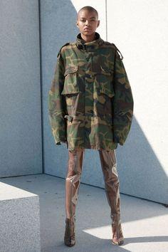Yeezy Season 4 Kanye West New York Vogue Paris, Moda Kanye West, Style Kanye West, Yeezy Season 4, Kanye Yeezy, Mode Style, Mannequins, Military Fashion, Ideias Fashion