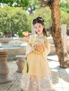 My Sassy Girl, Traditional Fashion, Chinese Culture, Hanfu, Style Clothes, Asian Style, Flower Girl Dresses, Fashion Outfits, Princess
