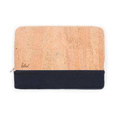 "Laptophülle 15"" aus Kork von bleed – Korkeria – Notebook Tasche Mode Blog, Laptop Sleeves, Cork, How To Look Better, Jewellery, Beautiful, Fashion, Industrial Desk, Vegan Fashion"