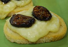 Toasted Baguette with Brie & Figs by terristable #Appetizers #Brie_&_Figs #terristable