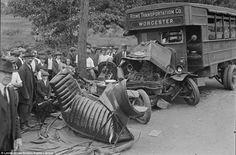 Así eran los accidentes de tráfico a principios de siglo | OLDSKULL.NET